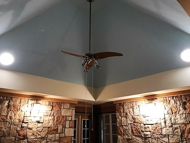 Vaulted ceiling with skylights in 2nd den.